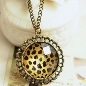 Classical Style Leopard Circle Pendant Necklace