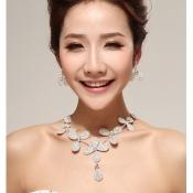 Elegant Flattery Flowers Shaped Crystal Jewelry Se