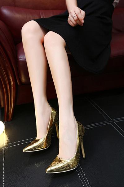 Euramerican Sapato de bico fino Super High Heel ouro PU Bombas