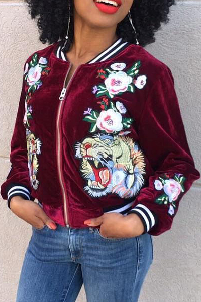 Fashion Round Neck Long Sleeves Embroidery Red Velvet Short Coat