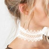 Euramerican Bud Silk Patchwork White Choker