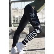 Beiläufige hohe Taillenbuchstaben gedrucktes schwarzes Baumwollbein