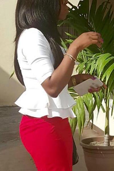 Elegante cuello redondo medias mangas Falbala diseño blanco poliéster camisas