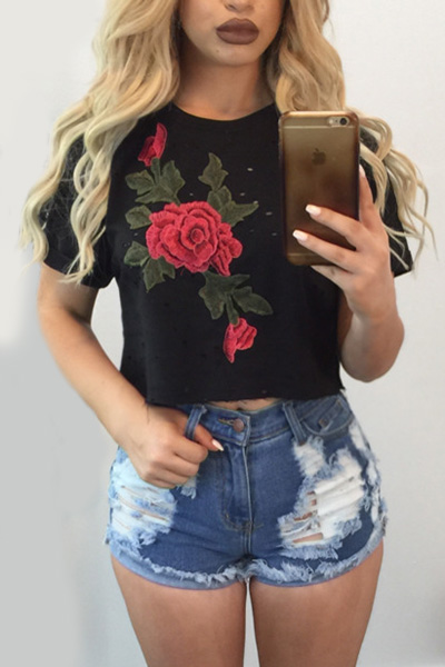 Leisure Round Neck Short Sleeves Embroidery Design Black Cotton Blends T-shirt