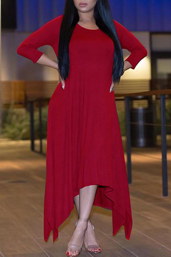 Vestito asimmetrico a manica mezza con manico a collo rotondo libero. Vestito a maniche lunghe in poliestere rosso