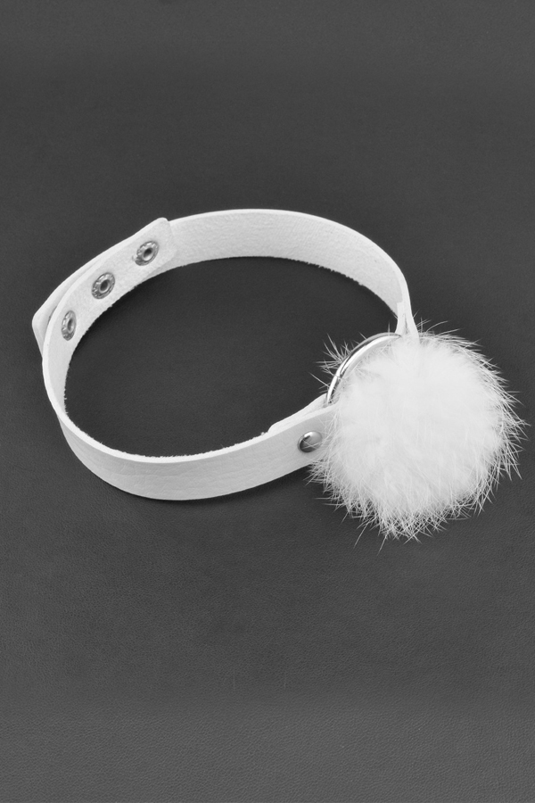 Design élégant en fourrure Blanc PU Choker