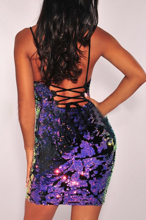 Sexy V-Ausschnitt Rückenfreies Lila Polyester Mantel Minikleid