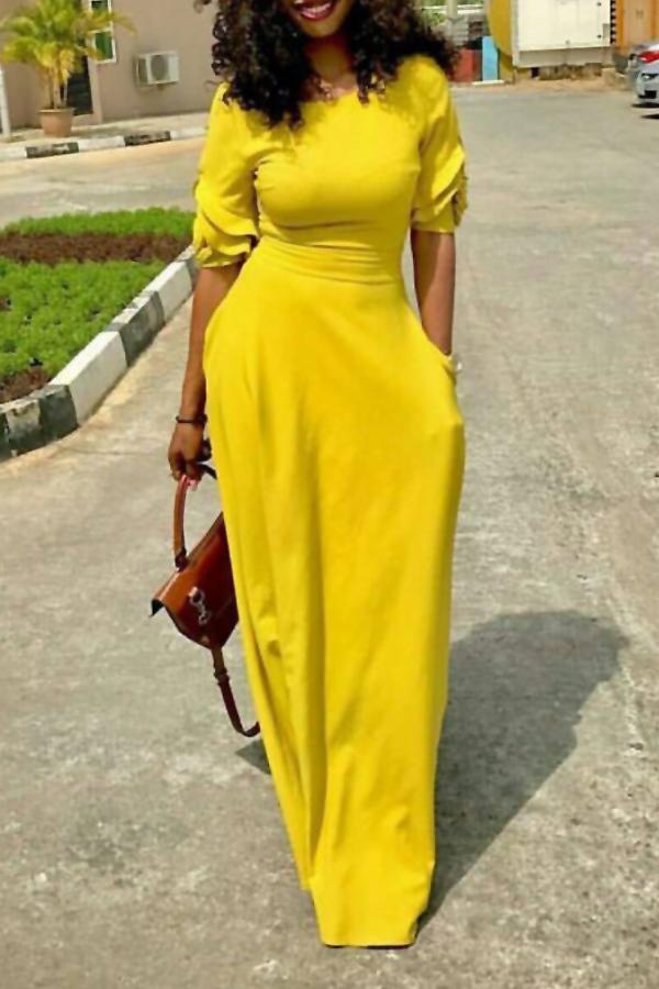 Bolso Do Pescoço Redondo Do Lazer Vestido Do Tamanho Do Assoalho Do Poliéster Amarelo