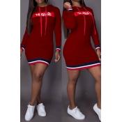 Letras De Cuello Con Capucha Casual Impreso Mini Vestido De Poliéster Rojo Vino