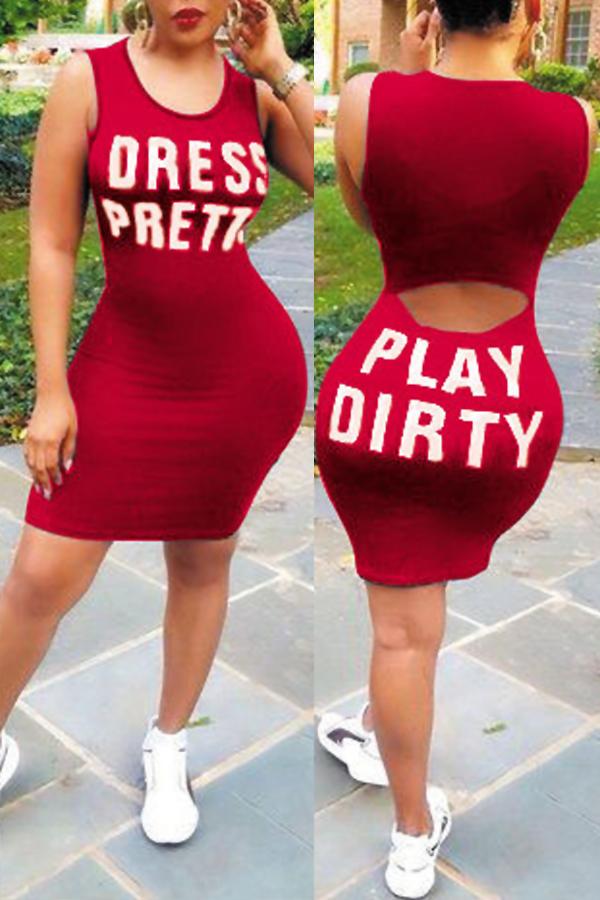Adorável Lazer Volta Do Pescoço Letras Impresso Vestido De Tecido Vermelho Saudável Vestido Mini