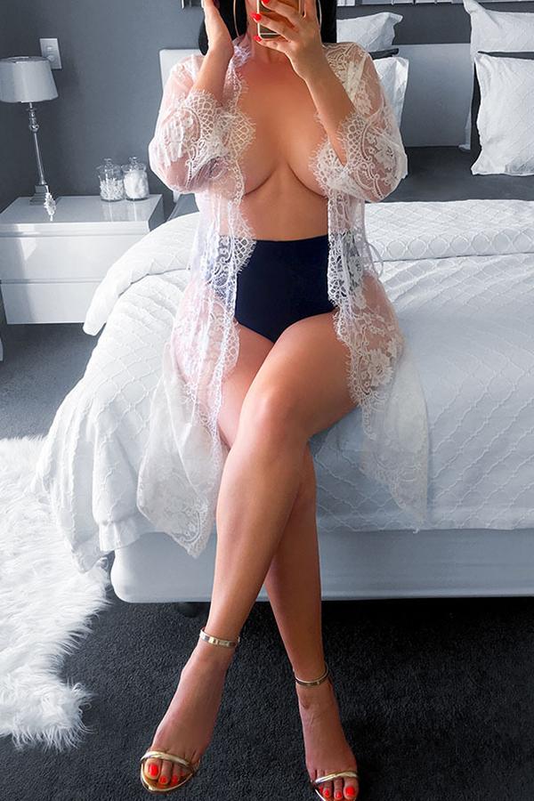 Hermosa Y Atractiva Camisa De Nailon Rosa Transparente (sin Ropa Interior)