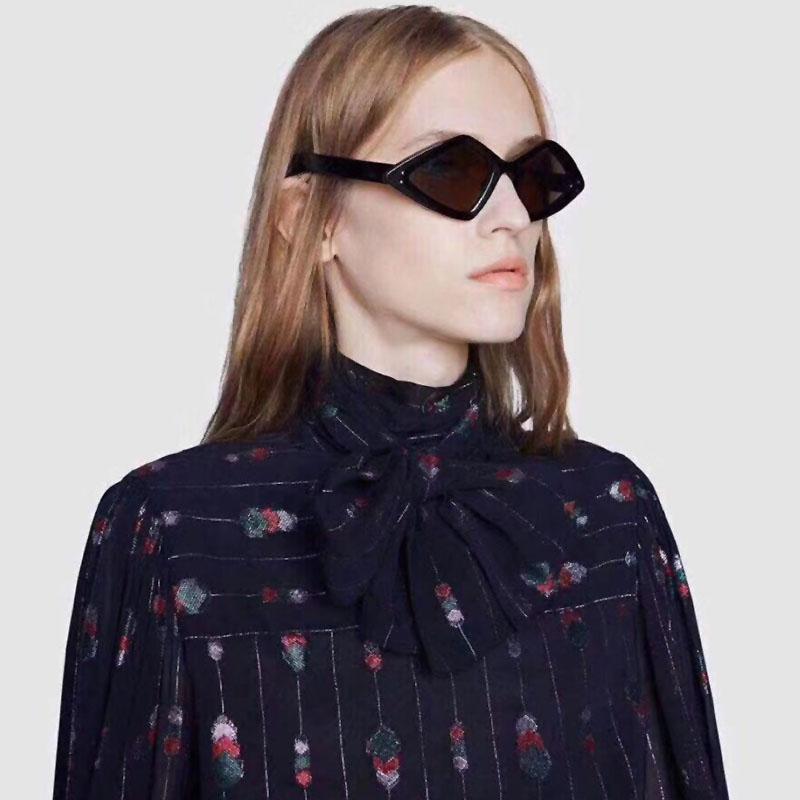 Lovely Trendy Rhombic Black Sunglasses