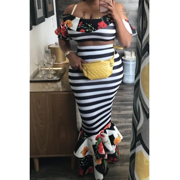 Lovely Sexy Printed Ruffle Design Black-white Two-piece Skirt Set
