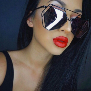 Lovely Fashion Hollow-out Black Metal Sunglasses