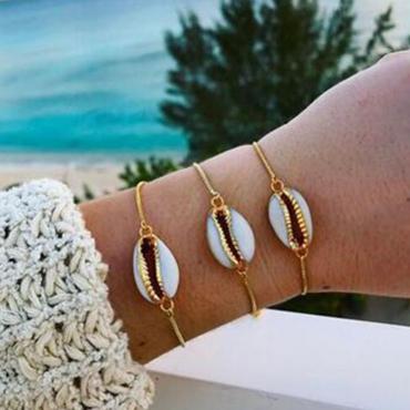 Lovely Stylish Conch Decoration Gold Alloy Bracelet