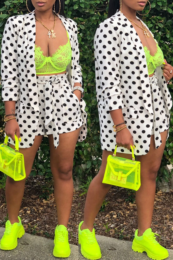 Lovely Leisure Dot Printed White Two-piece Shorts Set