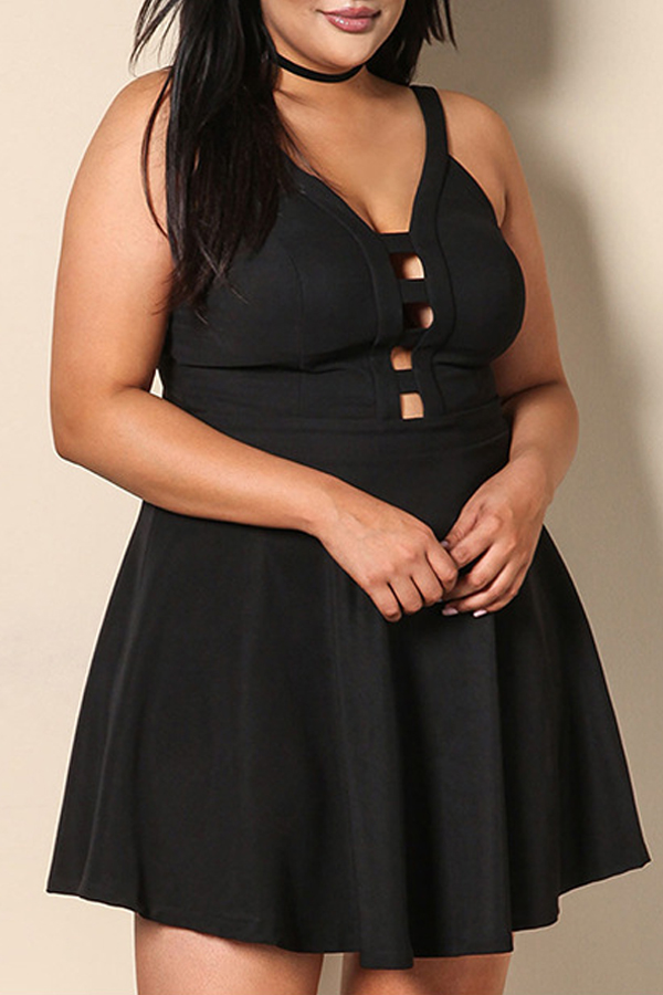 Lovely Casual Spaghetti Straps Hollow-out Black Mini Plus Size Dress