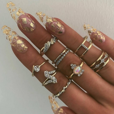 Lovely Chic 9 Pieces Gold Ring