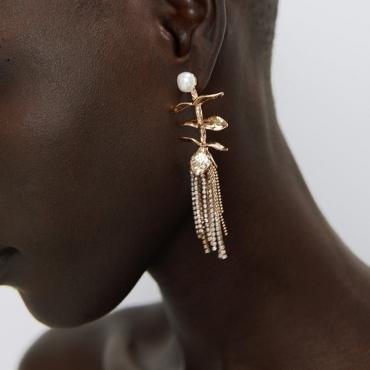Lovely Vintage Tassel Design Gold Earring