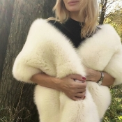 Lovely Chic Beige Faux Fur Scarves