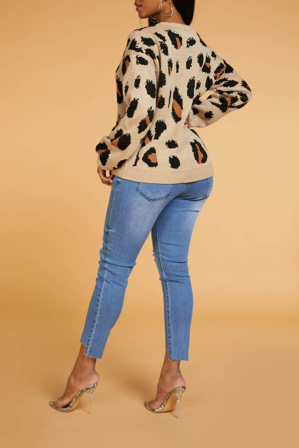 Lovely Chic Basic Leopard Sweater