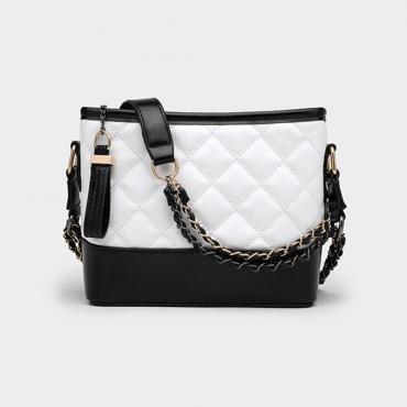 Lovely Trendy Chain Strap White Messenger Bag
