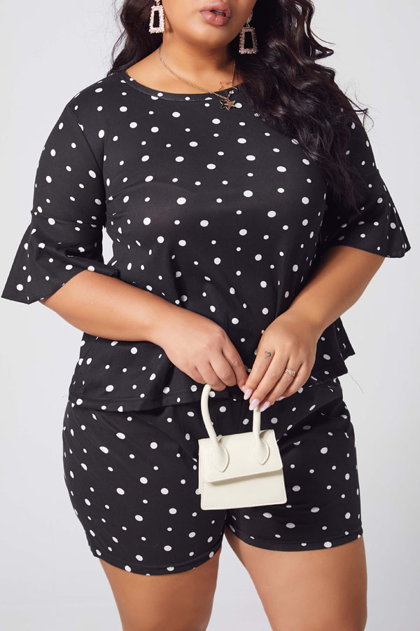 lovely Leisure Dot Print Black Plus Size Two-piece Shorts Set