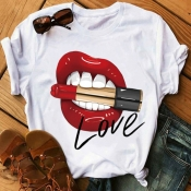 Lovely Leisure Lip Print Creamy White T-shirt