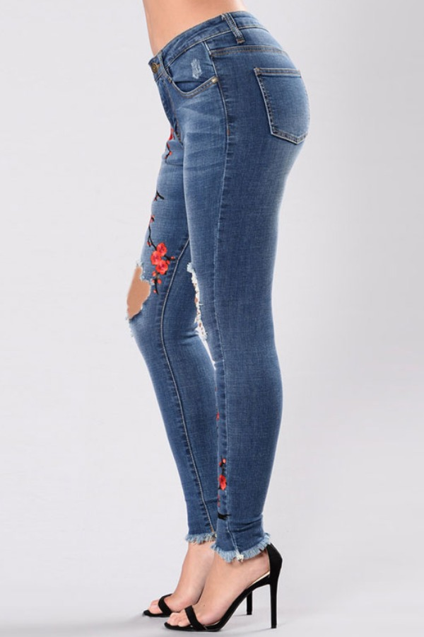 lovely Casual High-waisted Embroidery Design Blue Jeans