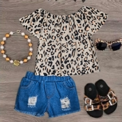 lovely Stylish Print Skin Color Girl Two-piece Shorts Set