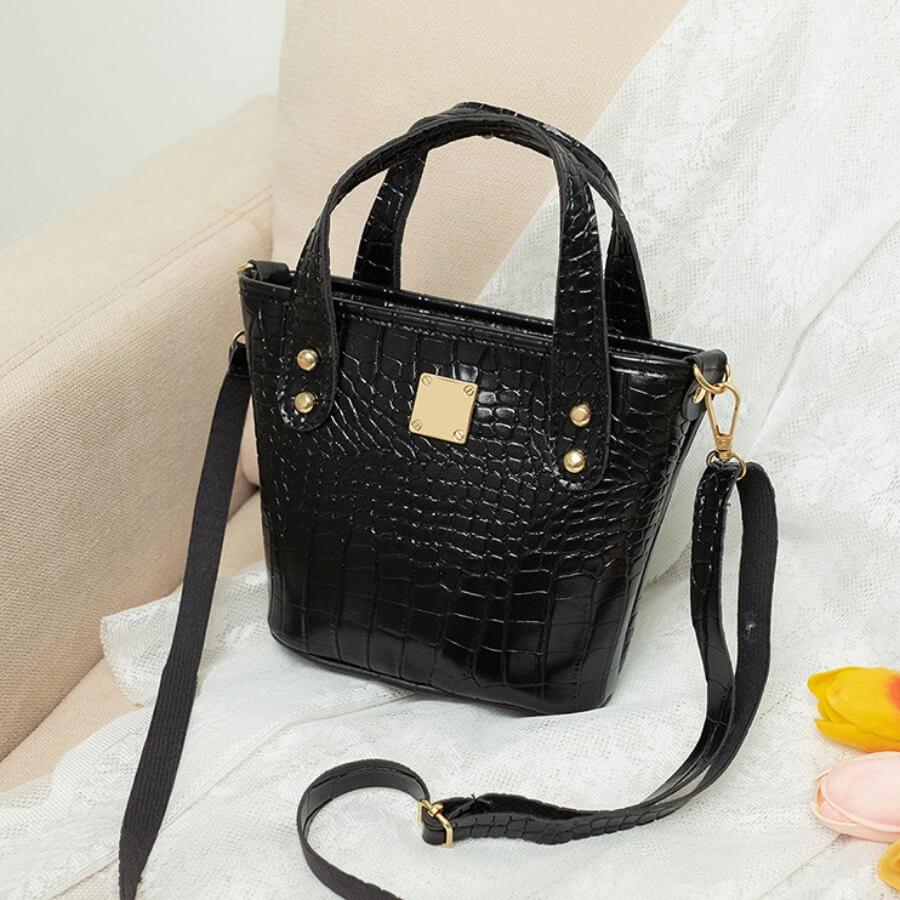 Lovelywholesale coupon: LW Stylish Striped Print Black Crossbody Bag