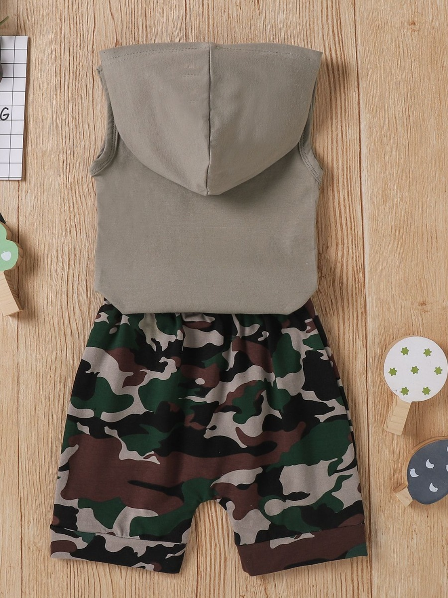 Lovely Sporty Hooded Collar Letter Camo Print Grey Boy Two Piece Shorts Set