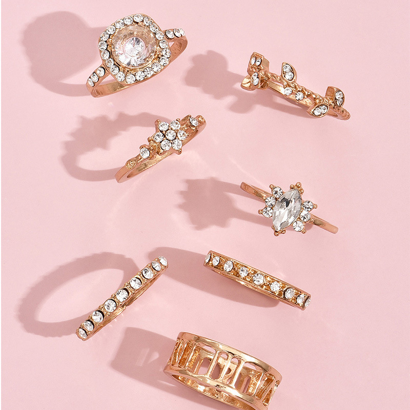 Lovely 7-piece Hollow-out Crystal Ring